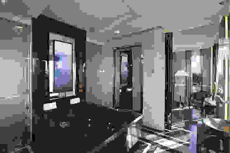 Progetto Modern bathroom by Spagnulo & Partners Modern
