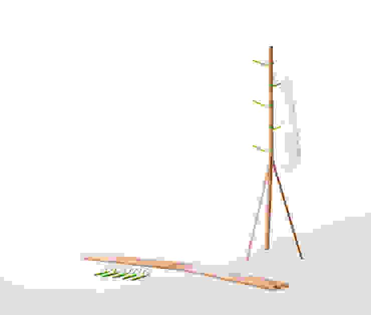 Tree hanger: SHINYA YOSHIDA DESIGNが手掛けた現代のです。,モダン