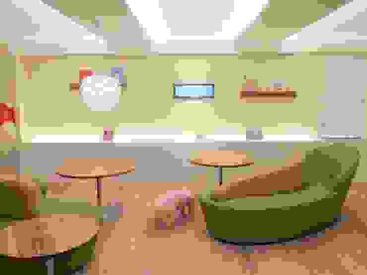 子供達とママの集まるスペース オリジナルデザインの 多目的室 の 株式会社KIMURA bi-Art オリジナル