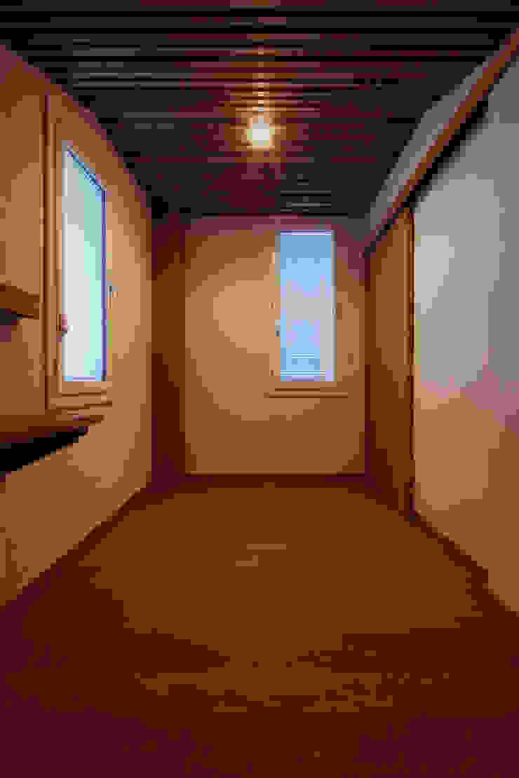 こもれびのいえ クラシックデザインの 子供部屋 の フーム空間計画工房 クラシック