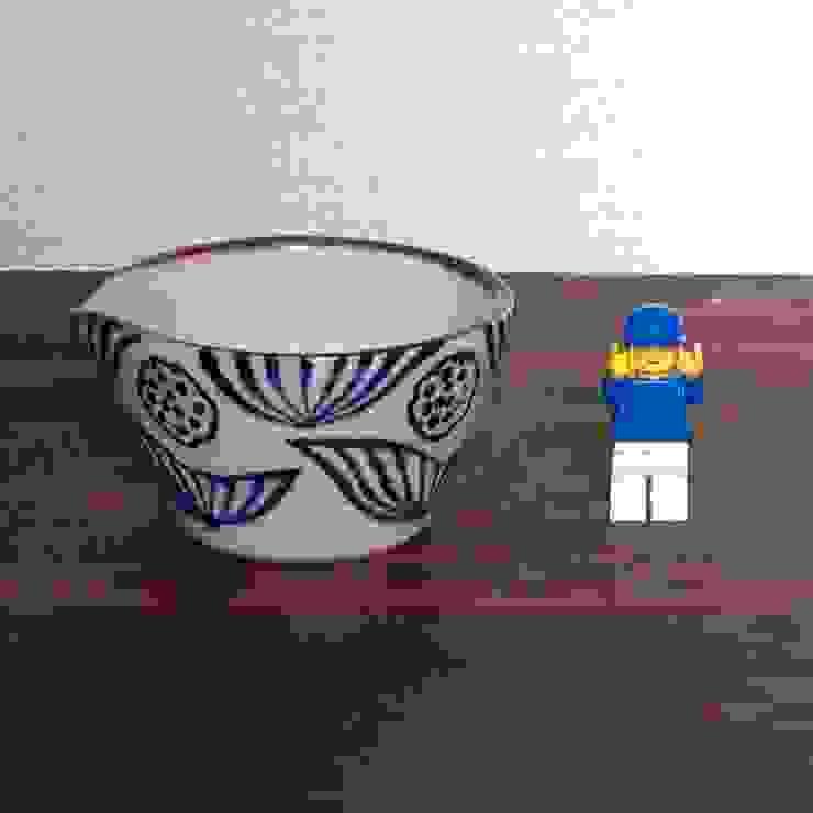 ハス柄のドレッシングボウル: キカキカクが手掛けた現代のです。,モダン 陶器