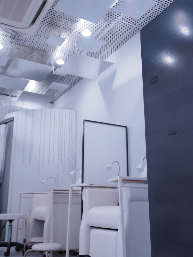 Espaces commerciaux modernes par (株)グリッドフレーム Moderne