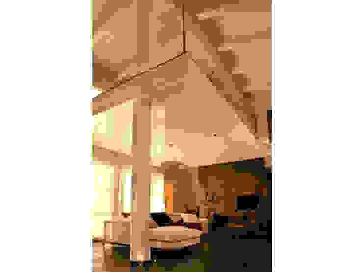 Progetto Soggiorno moderno di architetto michela lombardoni Moderno