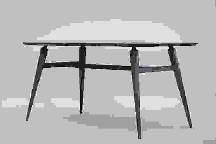 Handwerker R-1 table: HANDWERKER의 현대 ,모던