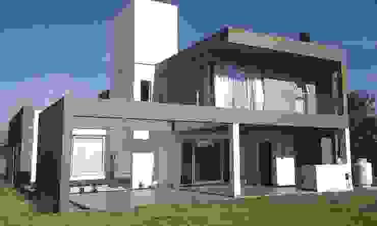 Vivienda La Morada. Villa Allende Casas modernas: Ideas, imágenes y decoración de V+B Arquitectura Moderno