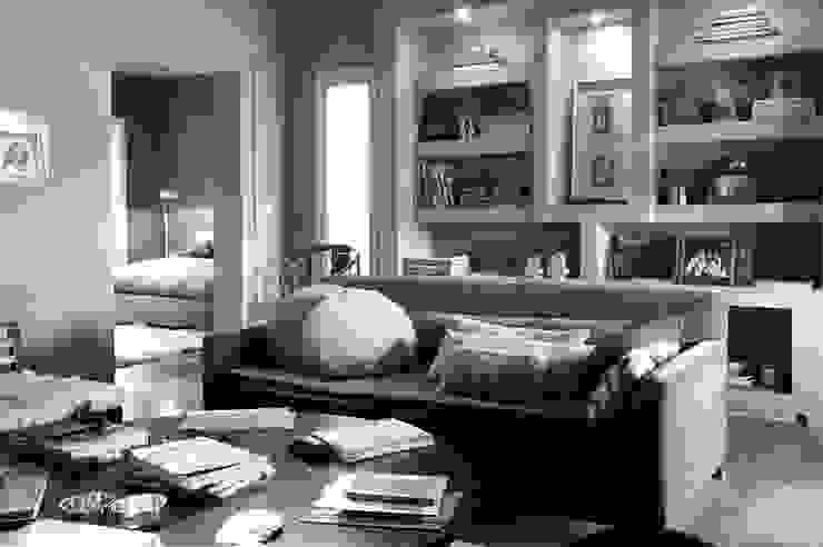 Encuentro Livings modernos: Ideas, imágenes y decoración de Estudio Moron Saad Moderno