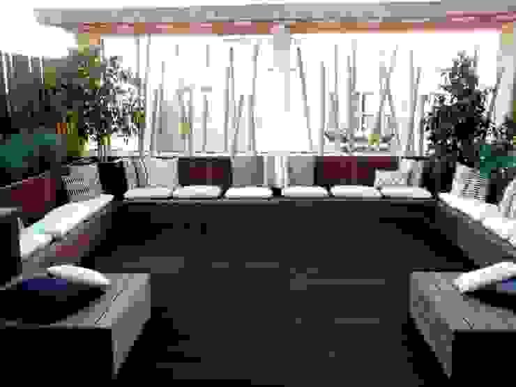 Chill Out Urbano Varandas, alpendres e terraços modernos por Calleres - Architecture & Interior Design Moderno