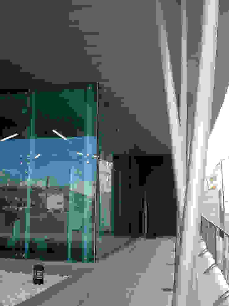 Estação Ferroviária de Espinho MIGUEL VISEU COELHO ARQUITECTOS ASSOCIADOS LDA Lapangan terbang