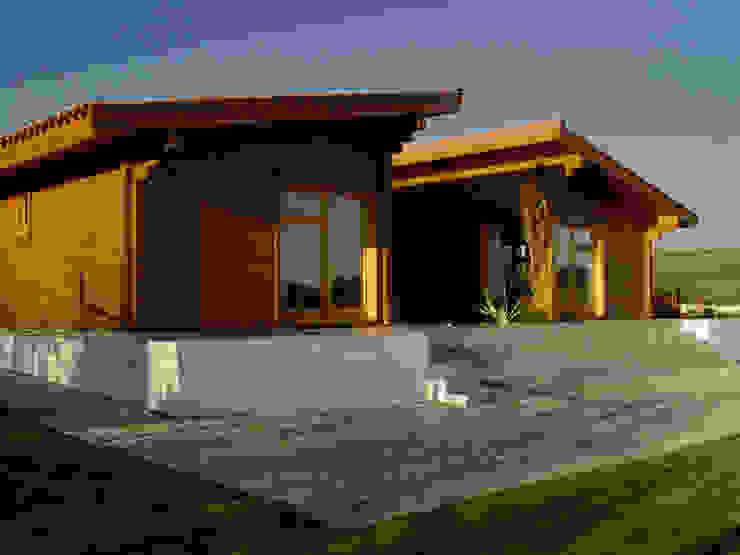 Moradia no Cadaval Moderne Häuser von MIGUEL VISEU COELHO ARQUITECTOS ASSOCIADOS LDA Modern