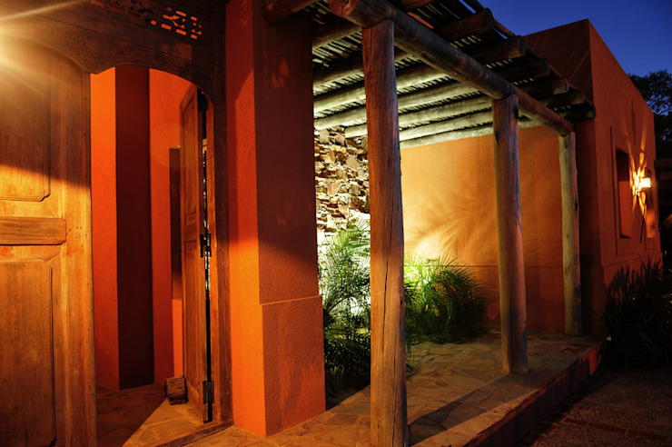 Encuentro Balcones y terrazas modernos: Ideas, imágenes y decoración de Estudio Moron Saad Moderno