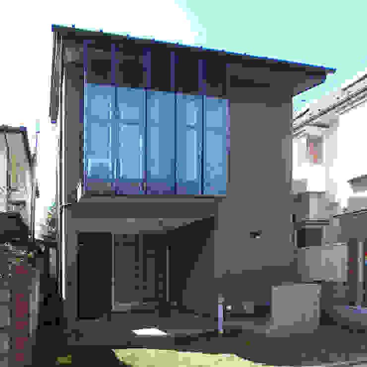 自然素材を生かした家 モダンな 家 の ユミラ建築設計室 モダン
