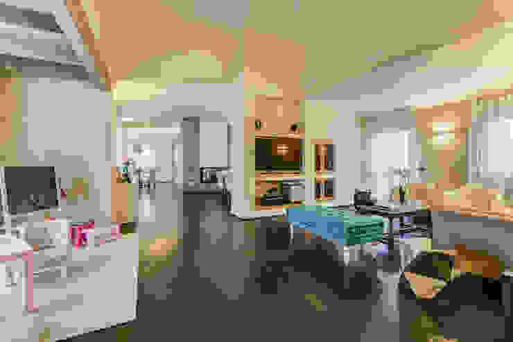 غرفة المعيشة تنفيذ Erina Home Staging,