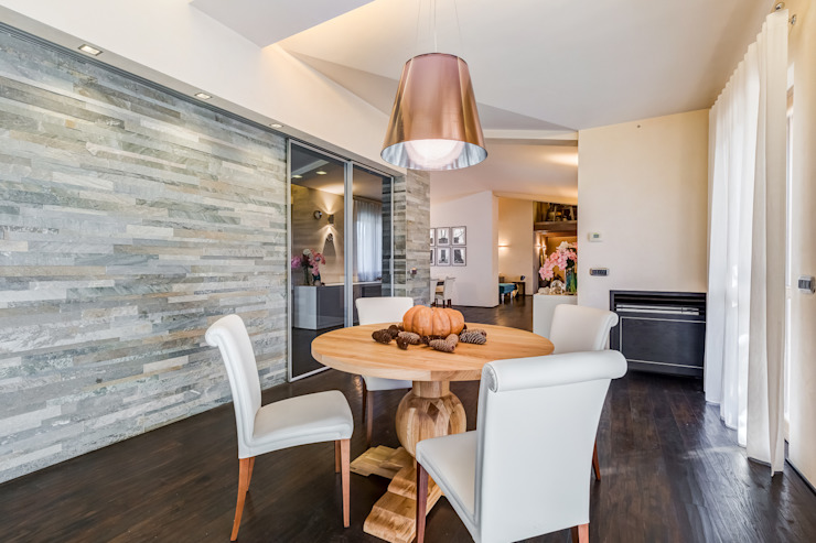 Classic style dining room by Erina Home Staging Classic
