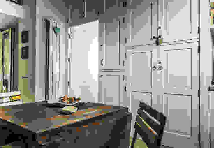 Appartamento Napoli Salas de jantar modernas por Giuliana Andretta Architetto Moderno