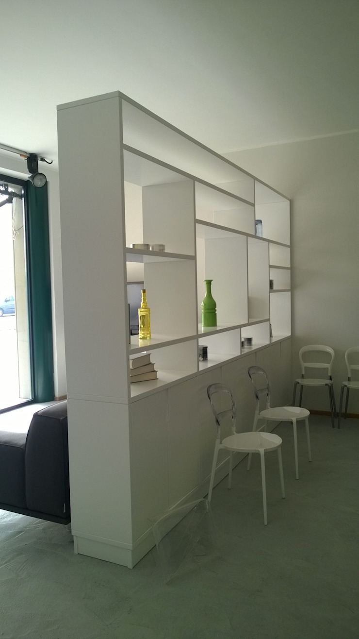 Vibo Cucine sas di Olivero Bruno e c. Living roomCupboards & sideboards