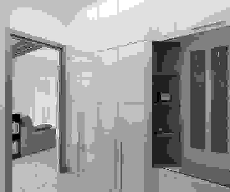 Minimalist corridor, hallway & stairs by Дизайн студия Марины Геба Minimalist