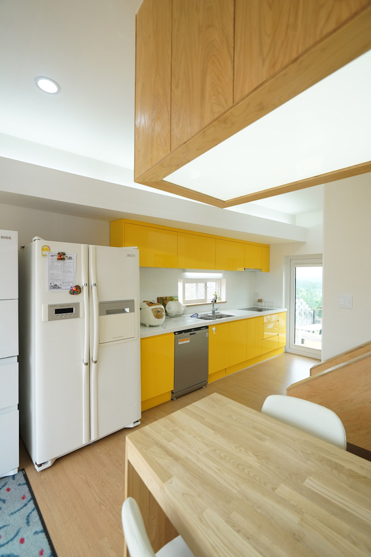 Loop House 무한궤도 하우스 모던스타일 주방 by ADMOBE Architect 모던