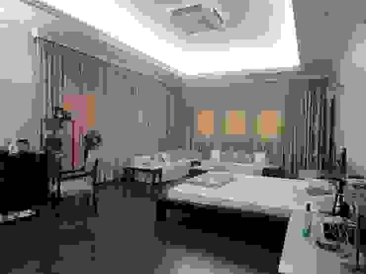 Dormitorios de estilo clásico de S.S. Design Studio Clásico
