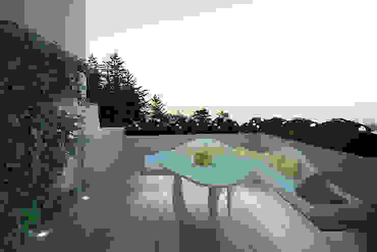 Progetto Modern terrace by Architetto Valentina Longo Modern