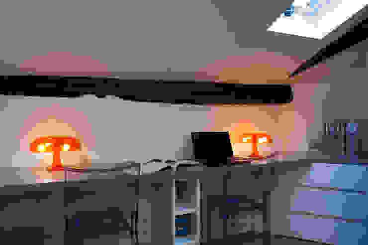 Progetto Phòng học/văn phòng phong cách tối giản bởi studio ferlazzo natoli Tối giản
