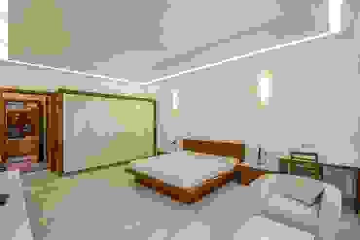 Dormitorios clásicos de S.S. Design Studio Clásico