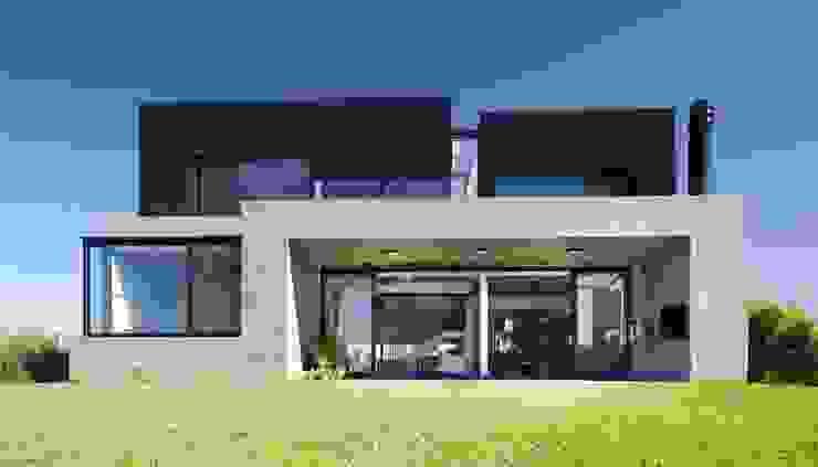 Casa JG Casas modernas: Ideas, imágenes y decoración de Speziale Linares arquitectos Moderno