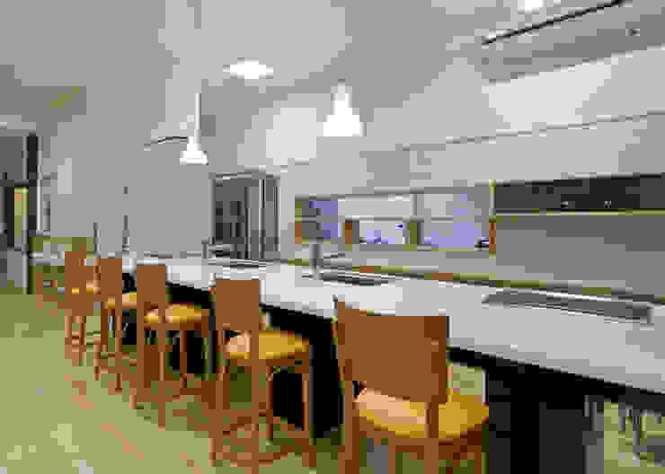 ダイニングキッチン アジア風医療機関 の 宮田建築設計室 和風