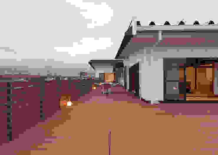 屋上テラス アジア風医療機関 の 宮田建築設計室 和風