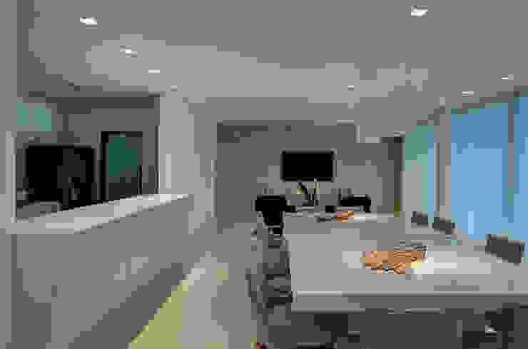 Sala de Jantar Salas de jantar modernas por Isabella Magalhães Arquitetura & Interiores Moderno Vidro