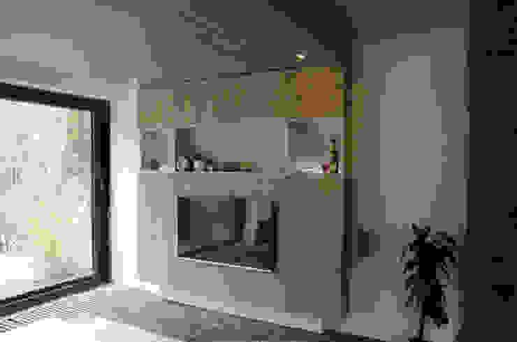 Ontwerpbureau Op den Kamp 现代客厅設計點子、靈感 & 圖片 木頭