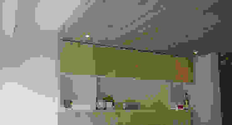 Ontwerpbureau Op den Kamp Salas de estilo moderno Madera