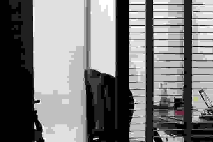 Elegancia Estudios y despachos modernos de LC Arquitectura Moderno