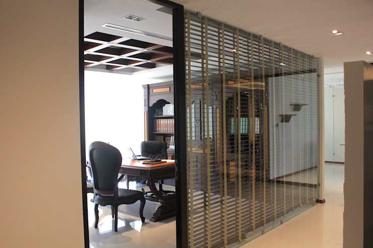 Oficina principal Estudios y despachos modernos de LC Arquitectura Moderno