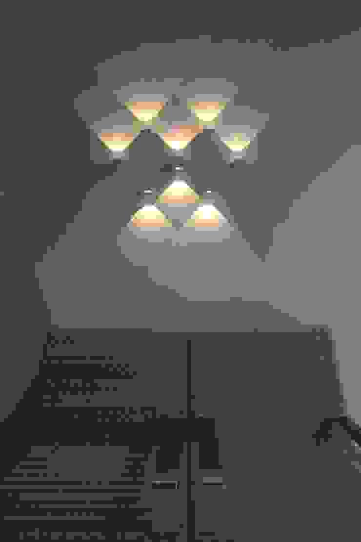 modern  by Ud-S | United design-Studio, Modern