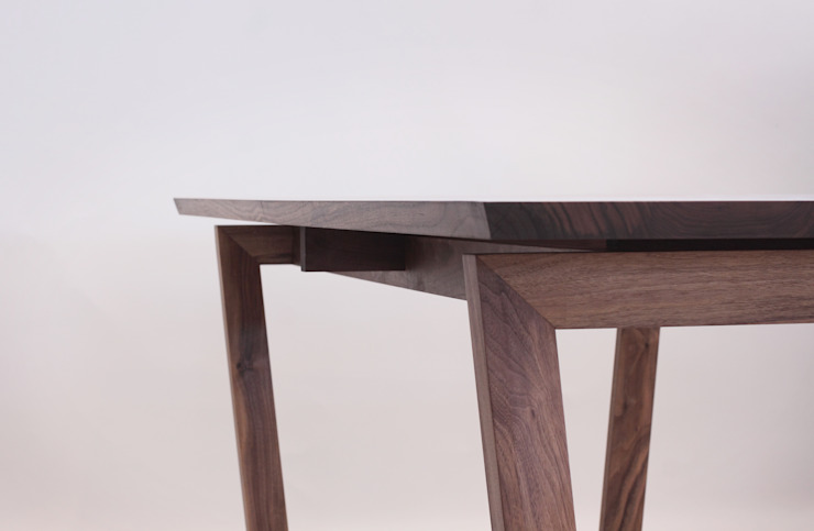 Handwerker  HD-OB1 dining table: HANDWERKER의 현대 ,모던 우드 우드 그레인