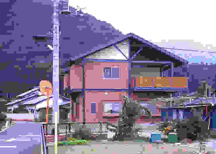 H鋼の家 モダンな 家 の アーキ・ヴォイス モダン 鉄/鋼
