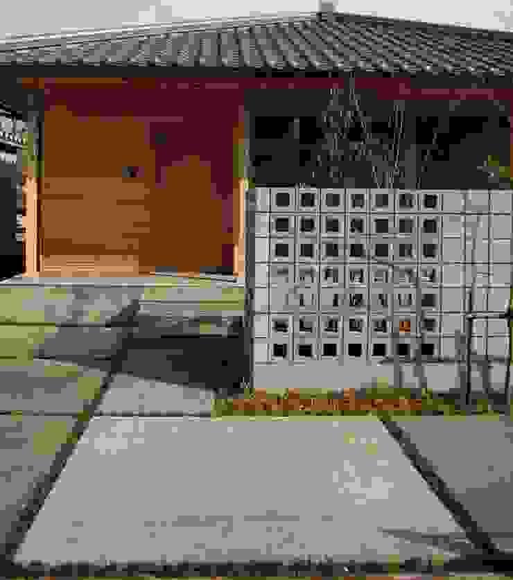 「土間のある小さくて広い家」 日本家屋・アジアの家 の 尾脇央道(重川材木店) 和風