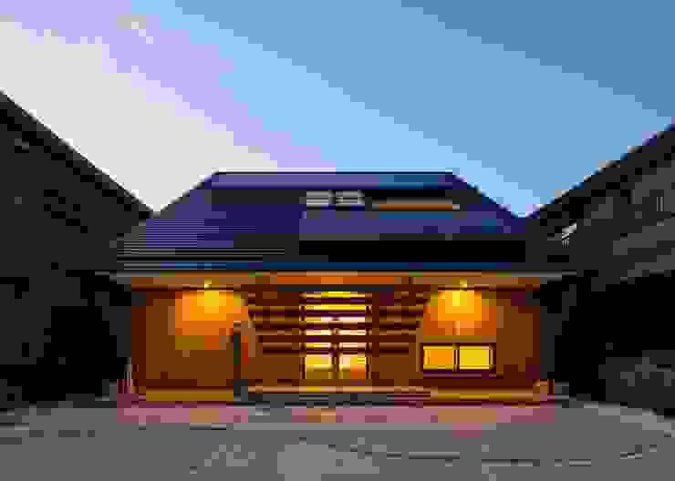 Maisons de style  par 株式会社タバタ設計, Asiatique