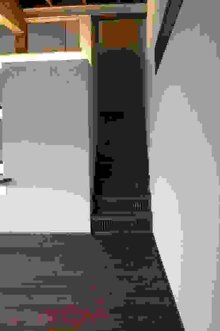 「Fさんち」 和風の 玄関&廊下&階段 の 尾脇央道(重川材木店) 和風