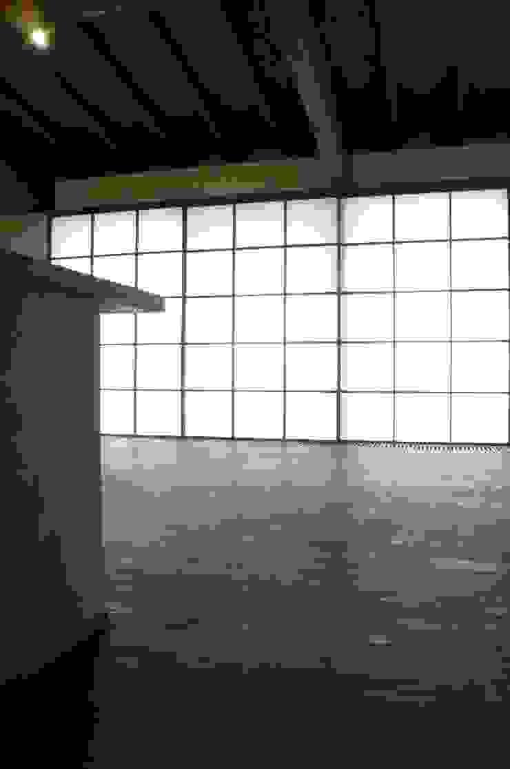 「Fさんち」 和風デザインの リビング の 尾脇央道(重川材木店) 和風
