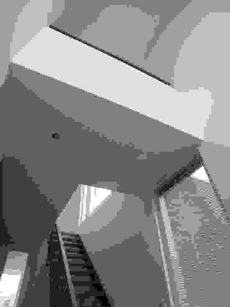 Dick van Aken Architectuur 現代風玄關、走廊與階梯