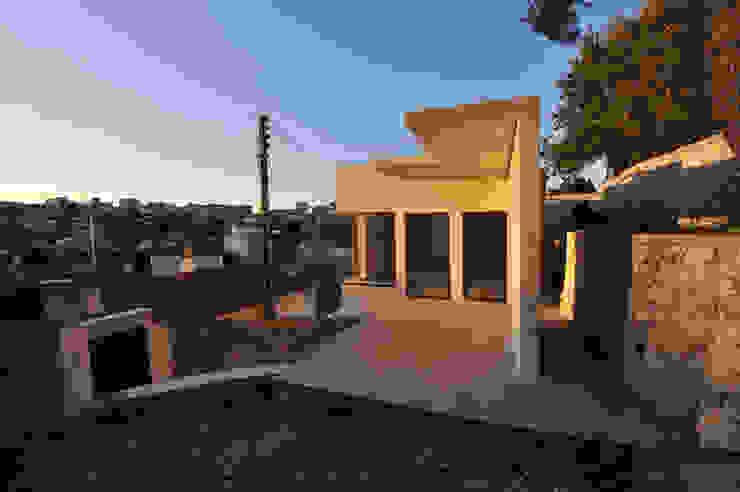 Villa G Balcon, Veranda & Terrasse modernes par FJA Moderne