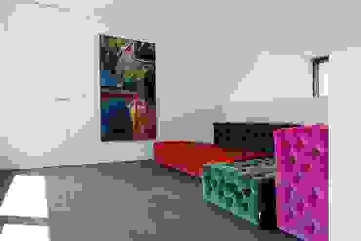Project De Plankerij voor Summum - Interiors (http://www.summum-interiors.com) Moderne muren & vloeren van De Plankerij BVBA Modern Hout Hout