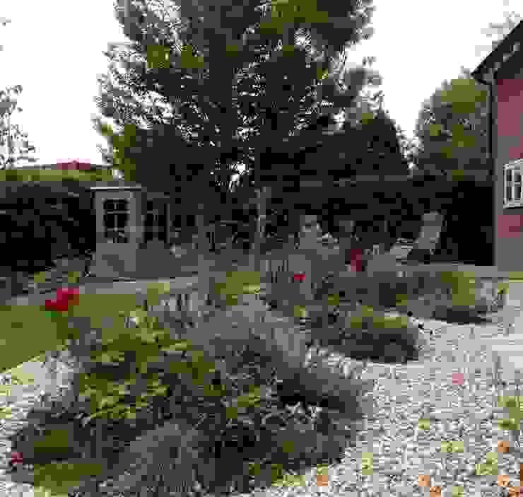 New Planting and Deck Cornus Garden Design Modern Garden Stone