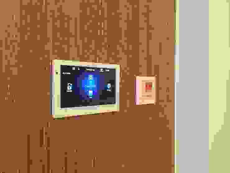Portfolio CPD Sound & Vision 現代風玄關、走廊與階梯