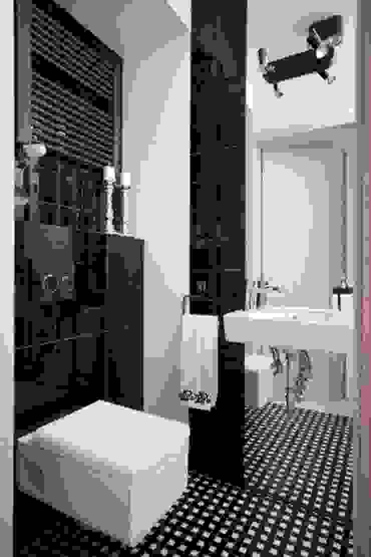 Phòng tắm phong cách chiết trung bởi ZIZI STUDIO Magdalena Latos Chiết trung