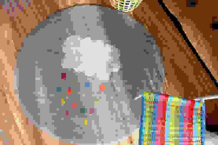 Yellow Cloud Rug & Multi Cloud Rug: bunt의 현대 ,모던