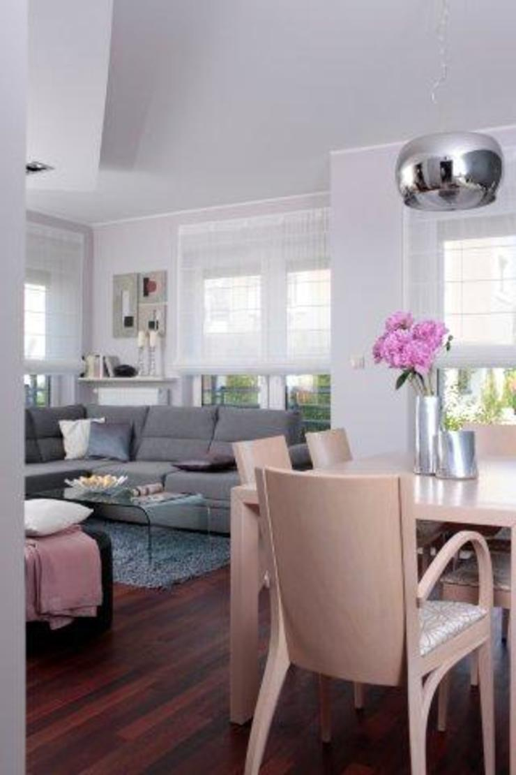 Phòng khách phong cách chiết trung bởi ZIZI STUDIO Magdalena Latos Chiết trung