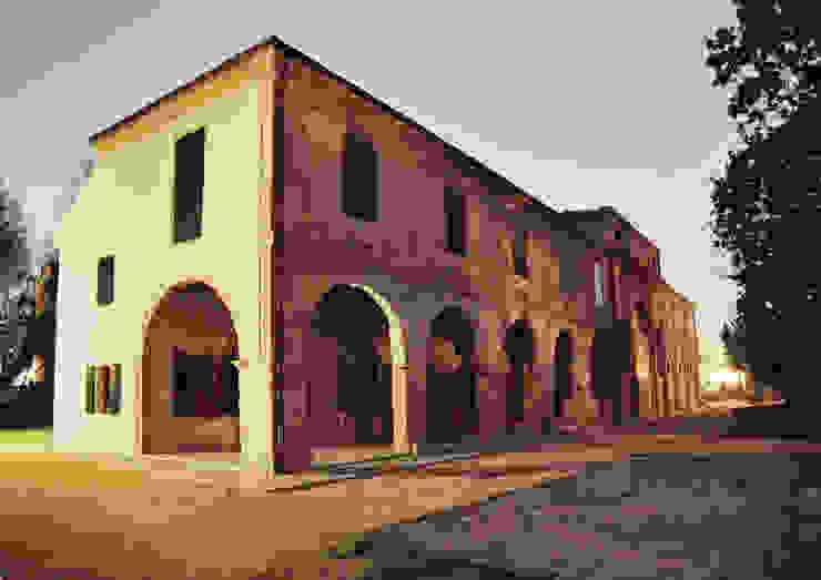 Casas de estilo rústico de Studio Valle architettura e urbanistica Rústico Ladrillos