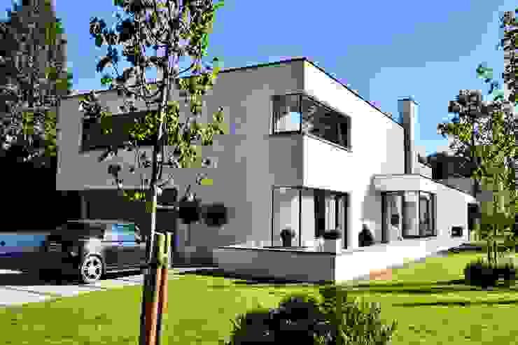 Casas de estilo  por FWP architectuur BV, Minimalista Concreto